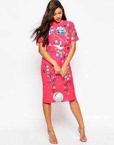 knielanges Blumenkleid in Pink mit floralem Muster