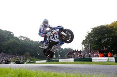 Josh Brookes, Tyco Suzuki at the Cadwell mountain, BSB.