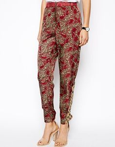 Discover the latest fashion and trends in menswear and womenswear at ASOS. Shop this season's collection of clothes, accessories, beauty and more. Printed Pants, Patterned Pants, Latest Fashion Clothes, Fashion Tips, Pants Pattern, Asos Online Shopping, Color Blocking, Parachute Pants, Thighs