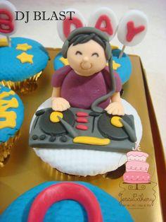 DJ Cupcakes Theme