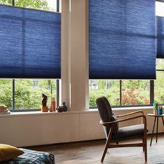 Er du vild med blå, kan du få en fantastisk effekt med Duette i vinduerne. #blå #Duette #gardiner #bolig #vinduer #gardininspiration #blue #colourfull #toneitone