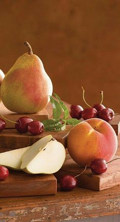 For a variety of the freshest Pears, Peaches, and Cherries, join the original Fruit of the Month Club® - - Fruit And Veg, Fruits And Vegetables, Fresh Fruit, Fruit Of The Month, Fruit Delivery, Fruit Photography, Fruit Painting, Beautiful Fruits, Delicious Fruit