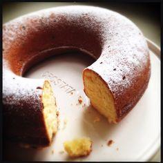 ciambellone allo yogurt Doughnut, Yogurt, Desserts, Kitchen, Food, Baking Center, Postres, Cooking, Deserts