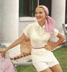 Bermuda Pastels is a vintage womans sweater knitting pattern, from Vogue Knitting Spring/Summer ★ Sizes: Vintage Fashion 1950s, 50s Vintage, Mode Vintage, Looks Vintage, Vintage Glamour, 1950s Summer Fashion, Modern 60s Fashion, 1950s Inspired Fashion, 1950s Fashion Women
