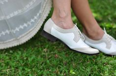 Love these shoes. They looks so comfy.