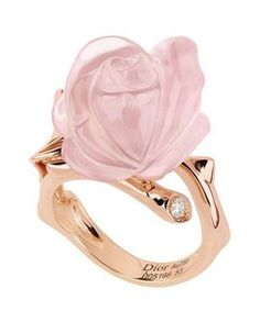 Dainty rings are de rigueur so why not buy a statement ring like this Christian Dior Pink Quartz Rose Ring with diamond accents. Dior Jewelry, Rose Gold Jewelry, Jewelry Accessories, Fashion Accessories, Jewelry Design, Effy Jewelry, Designer Jewelry, Luxury Jewelry, Jewelry Art