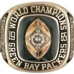 The Green Bay Packers had a long, colorful history of winning. The Packers have won nine NFL championships 1962 Go Packers, Packers Football, Best Football Team, Greenbay Packers, Football Baby, Green Bay Packers Championships, Nfl Championships, Green Bay Football, Green Bay Packers Fans