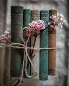 Just a few of my favourite things. New Zealand born, raised and living . flowers photography Raindrops and Roses Book Aesthetic, Aesthetic Pictures, Image Zen, Raindrops And Roses, Book Flowers, Gift Flowers, Coffee And Books, Jolie Photo, I Love Books