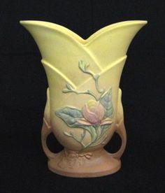 Hull Pottery Vase Weller Pottery, Roseville Pottery, Mccoy Pottery, Vintage Pottery, Pottery Vase, Ceramic Pottery, Ceramic Art, Hall Pottery, Pottery Sculpture