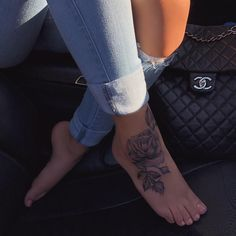 Sahlt on 30 beautigul tiny foot tattoo design for your first tattoo placement for woman Cute Foot Tattoos, Foot Tattoos For Women, Girly Tattoos, Body Art Tattoos, Small Tattoos, Sleeve Tattoos, Cool Tattoos, Little Foot Tattoos, Foot Tattoos Girls