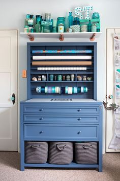 From plain room to creative retreat. Wait until you see this makeover! The Martha Stewart Living Craft Space collection is available at @homedecorators.