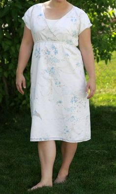 Upcycled Vintage Sheet Summer Dress tutorial- I would make it longer ... and YES I have vintage sheets!!