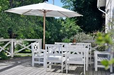 Love it all... the deck, fence, table & chairs