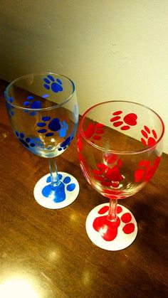 Paw print wine glasses in assorted colors - the ones you see here are not the only colors! **Glasses bought in this listing are not personalized. ** If you would prefer a glass that is personalised, please check out the other listing I have for these wine glasses: https://www.etsy.com/listing/294913093/colored-paw-print-hand-painted-wine?ref=listing-shop-header-1    Paint colors are essentially unlimited, if the color(s) you would like are not in the drop down menu options, purchase this…