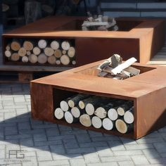 Brazier design with storage, Corten steel, Compétus, handmade and manufactured by AGtrema in France Rim Fire Pit, Glass Fire Pit, Metal Fire Pit, Cool Fire Pits, Industrial Fire Pits, Cool Things To Build, Outside Fire Pits, Home Suites, Fire Pit Designs