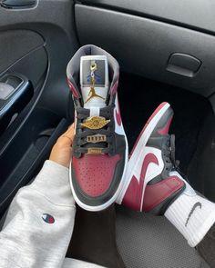 The Trendy Air Jordan Sneakers this Year - Aflamico Jordan Shoes Girls, Jordans Girls, Air Jordans, Shoes Jordans, Swag Shoes, Women's Shoes, Cute Nike Shoes, Air Jordan Sneakers, Sneakers Nike