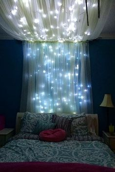 Girl room - Add some string lights to create an extra whimsical effect. - 20 Magical DIY Bed Canopy Ideas Will Make You Sleep Romantic Dream Rooms, Dream Bedroom, Bedroom Small, Comfy Bedroom, Bedroom Romantic, Master Bedroom, Magical Bedroom, Trendy Bedroom, Whimsical Bedroom