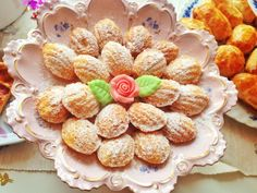 madeleine rose made of mini madeleines and an edible rose