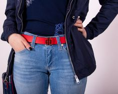 It's all about details! Tommy Hilfiger, Mom Jeans, Detail, Tops, Outfits, Style, Fashion, Sporty, Guys