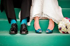 would like a bride and groom, groom and groomsmen feet photos since they all have teal socks