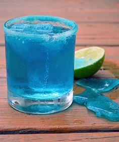 Breaking Bad Blue Margarita (with Blue Salt and Blue Ice Chips) | blog.hostthetoast.com