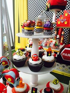 amazing cupcakes at a disney cars birthday party see more party ideas at catchmyparty
