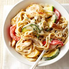 Light Chicken and Sweet Pepper Linguine Alfredo - I wouldn't use jarred sauce, but I like the idea of the veggies in it :)