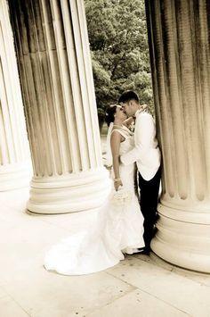 Wedding bride groom kiss Photo Scarpaci Photography