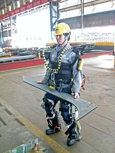 Daewoo Begins Testing Robotic Exoskeletons for Shipyard Workers in South Korea