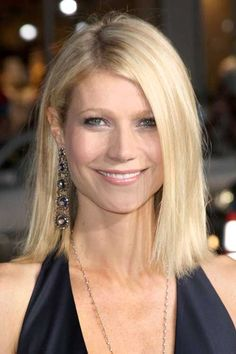 The best collection of Cute Short Bob Hairstyles & Haircuts Celebrity Bobs, Celebrity Short Hair, Celebrity Hairstyles, Gwyneth Paltrow, Short Bob Hairstyles, Hairstyles Haircuts, Bob Haircuts, Medium Hairstyles, Trendy Hairstyles