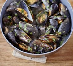 Mussels, white wine parsley recipe from BBC Good Food Bbc Good Food Recipes, Cooking Recipes, Recipes Dinner, Gourmet Recipes, Healthy Foods To Eat, Healthy Recipes, Mussels White Wine, Parsley Recipes, Garlic Butter Sauce