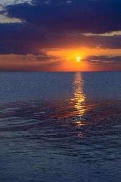 Sunrise Over Lake Michigan North Of Chicago