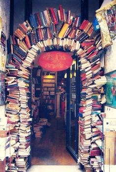 Legendary bookstore!  Thomas Memorial Library (that somehow resembles a sort of Hobbit house of books).  Is it obvious I love fantasy?  http://blancaflorido.com, Want to go there