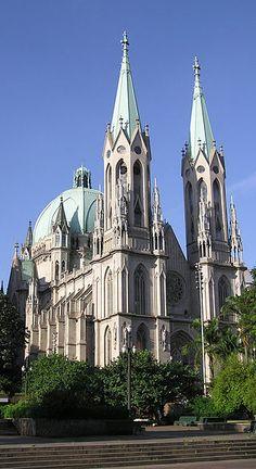Catedral Metropolitana de São Paulo, conhecida como Catedral da Sé. São Paulo, estado de São Paulo, Brasil. – Wikipédia, a enciclopédia livre