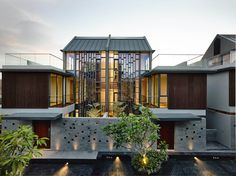 Toh Crescent / Hyla Architects, not sure how I feel about this project