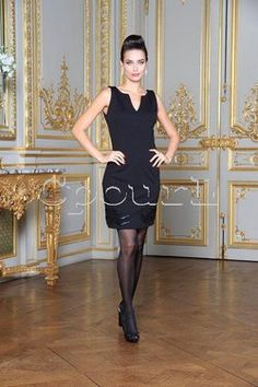 robe Nana Baila sans manche haut vinyl et zip sur cpourl. Glamour, Formal Dresses, Zip, Black, Style, Fashion, Fashion Ideas, Trendy Outfits, Dress Skirt