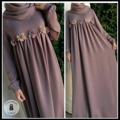 No photo description available. Hijabi Gowns, Hijab Wedding Dresses, Maternity Dresses, Burqa Designs, Abaya Designs, Abaya Fashion, Modest Fashion, Fashion Dresses, Moslem Fashion