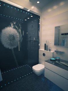 Стильная фотоплитка для душевой кабины и ванной комнаты.