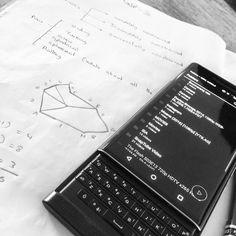 #inst10 #ReGram @joshualj3918: #BlackBerry #classroom #break #fun #notes  #BlackBerryClubs #BlackBerryPhotos #BBer #RIM #QWERTY #Keyboard #BlackBerryPRIV #PRIV #NewBlackBerry