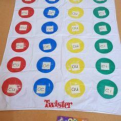 27983358_1549704971809711_3697992648336622071_o Literacy Games, Preschool Activities, Kids Learning, Spelling, Circuit, Back To School, Language, Classroom, Teacher