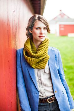Squishy brioche stitch makes such a wonderful, buoyant fabric – it's one of our very favorite stitch patterns for simple basics. Dawn's Kennebec can be worn as a scarf looped over the neck, or doubled back on itself for a warm and dramatic statement piece. Yardage requirements have been given for regular and deep versions. …