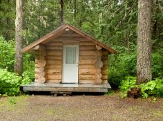 building a cabin with small log cabin kits - Tiny Log Cabin Kits
