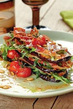 Millefeuille van aubergines met gedroogde ham - Powered by Meat Love, I Love Food, A Food, Good Food, Food And Drink, Go For It, Healthy Recipes, Low Carb Recipes, Light Recipes