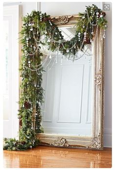 Gorgeous festive garland!   How simple, BUT SO dramatic!