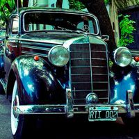 15 Photos of Old-Fashioned Vehicles