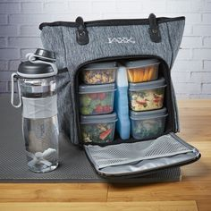 Must have for Gym Bunnies! Fit & Fresh Jaxx FitPak Commuter Meal Prep Bag with Portion Control Containers & 24 oz Shaker Bottle Meal Prep Bag, Lunch Meal Prep, Meal Prep Bowls, Portion Control Containers, Meal Prep Containers, 21 Day Fix Meal Plan, Meal Prep For The Week, Shaker Bottle, Shaker Cup