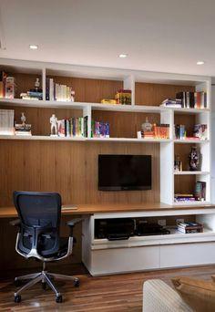 Home office na Sala de TV.  #CasaPequena #VidaADois <3