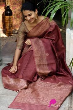 Silk Saree Banarasi, Kora Silk Sarees, Chiffon Saree, Banaras Sarees, Cotton Saree, Silk Saree Blouse Designs, Kurta Designs, Saree Wearing, Silk Sarees Online Shopping