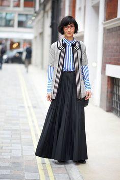Seriously elongating stripes & pleats #streetstyle