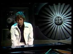 Barry Manilow Mandy (HQ) Only someone as depressed as me could go from AC/DC to Barry Manilow :(.....